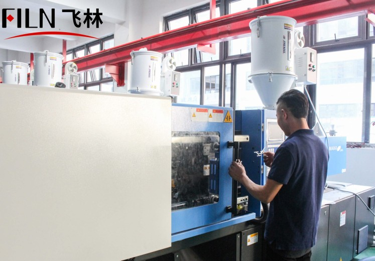 push button switch injection molding workshop